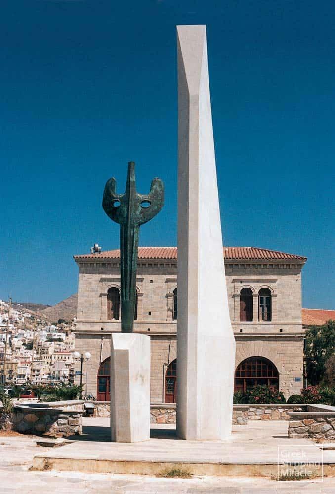 46_MONUMENT_OF_MERCHAN_MARINE